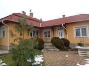 Szolnokon igényes belvárosi családi ház, Belváros