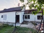 Tetőteres téglaház eladó a Lidltől pár percre - Békéscsaba, Belváros, Arany János utca